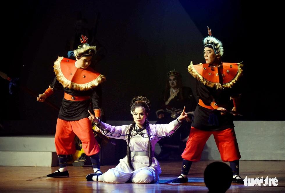Sanh vi tướng, tử vi thần và hát bội kiểu mới cho du khách - Ảnh 10.