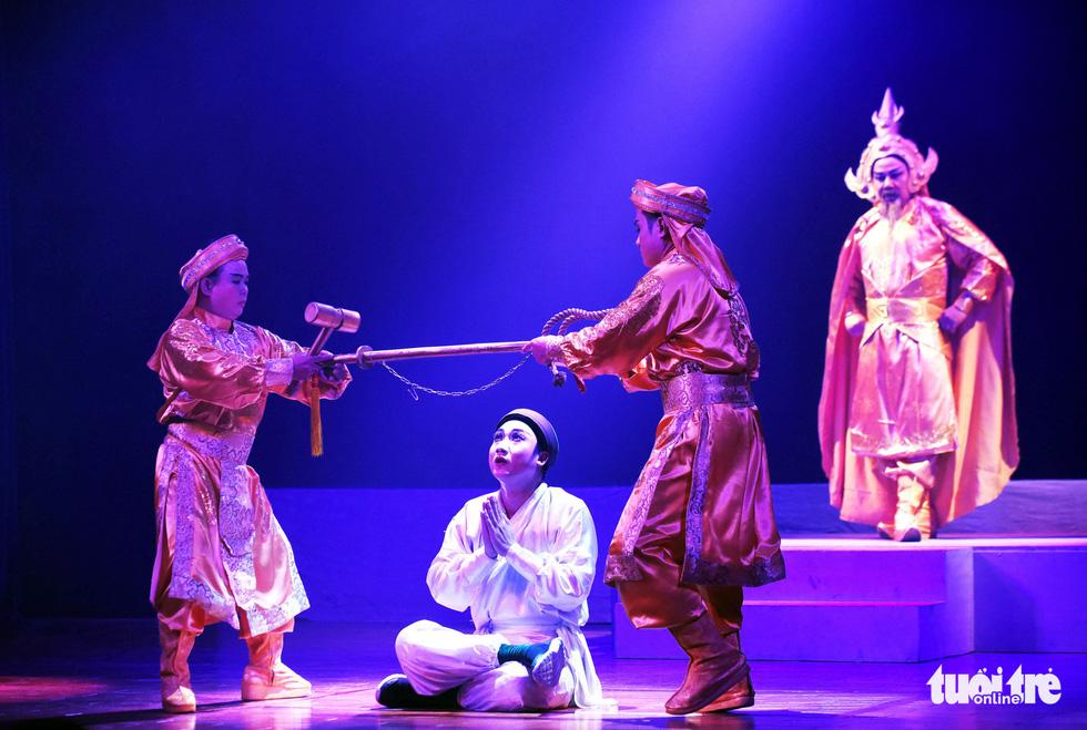 Sanh vi tướng, tử vi thần và hát bội kiểu mới cho du khách - Ảnh 11.