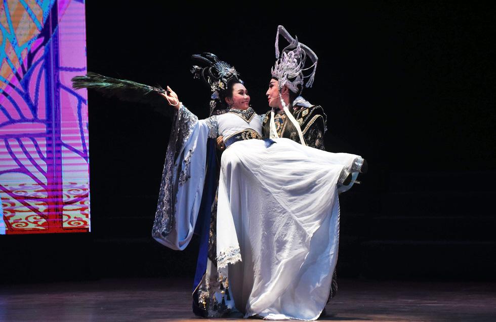Ngọc Huyền, Tú Sương cùng hóa thân thành nàng Dương Quý Phi - Ảnh 4.
