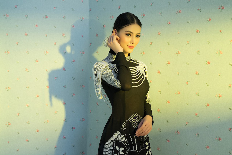 5 hoa hậu và 7 người đẹp giới thiệu bộ sưu tập Nàng của Võ Việt Chung - Ảnh 13.