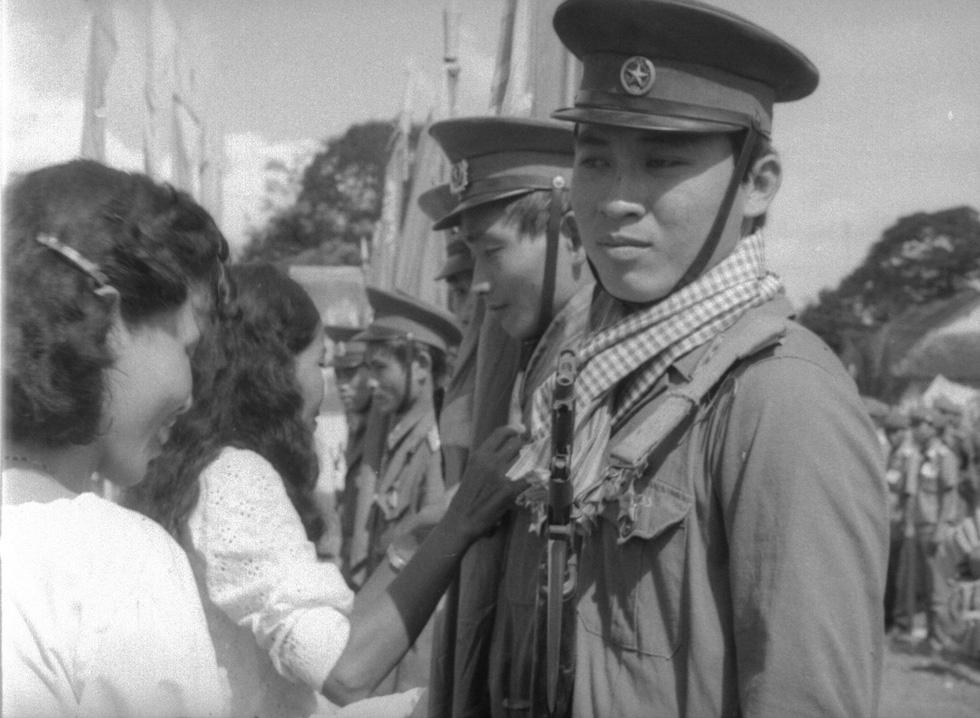 30 năm ngày trở về của đội quân nhà Phật - Ảnh 1.