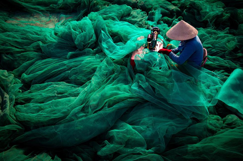 Thông điệp đáng lo sau bức ảnh Việt Nam tại cuộc thi ảnh môi trường thế giới - Ảnh 1.