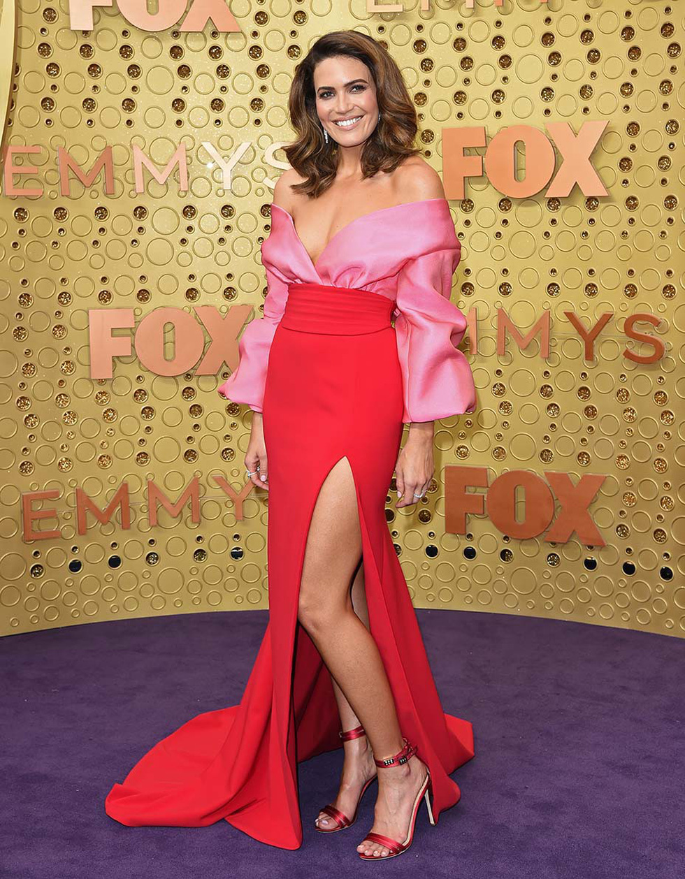 Thiết kế của Công Trí tại Emmy 2019 vào top đầm đẹp - Ảnh 7.
