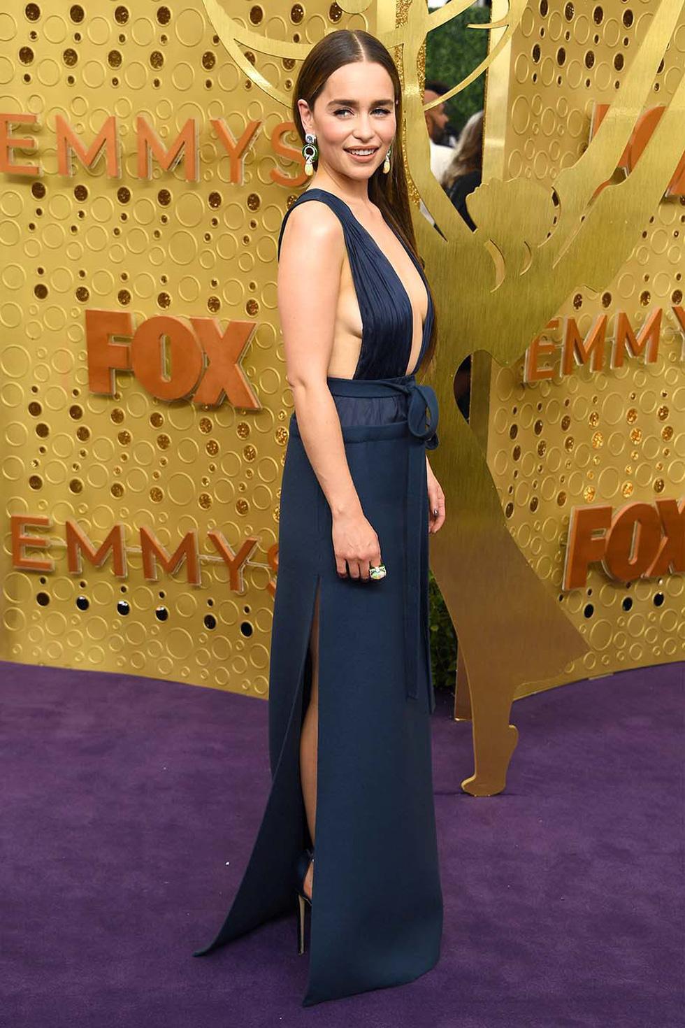 Thiết kế của Công Trí tại Emmy 2019 vào top đầm đẹp - Ảnh 9.