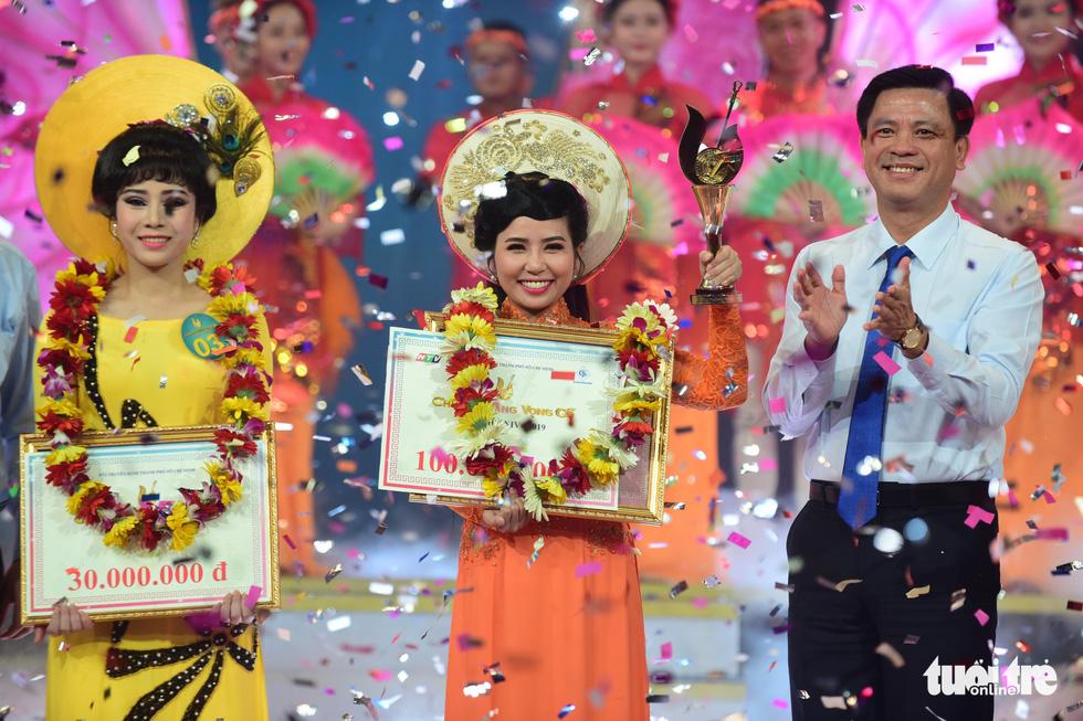 Chuông vàng vọng cổ 2019 vang tên Quách Thị Diễm Ngọc - Ảnh 1.