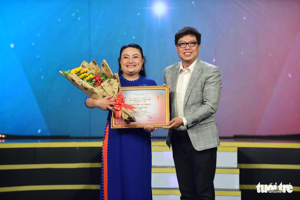 Chuông vàng vọng cổ 2019 vang tên Quách Thị Diễm Ngọc - Ảnh 10.