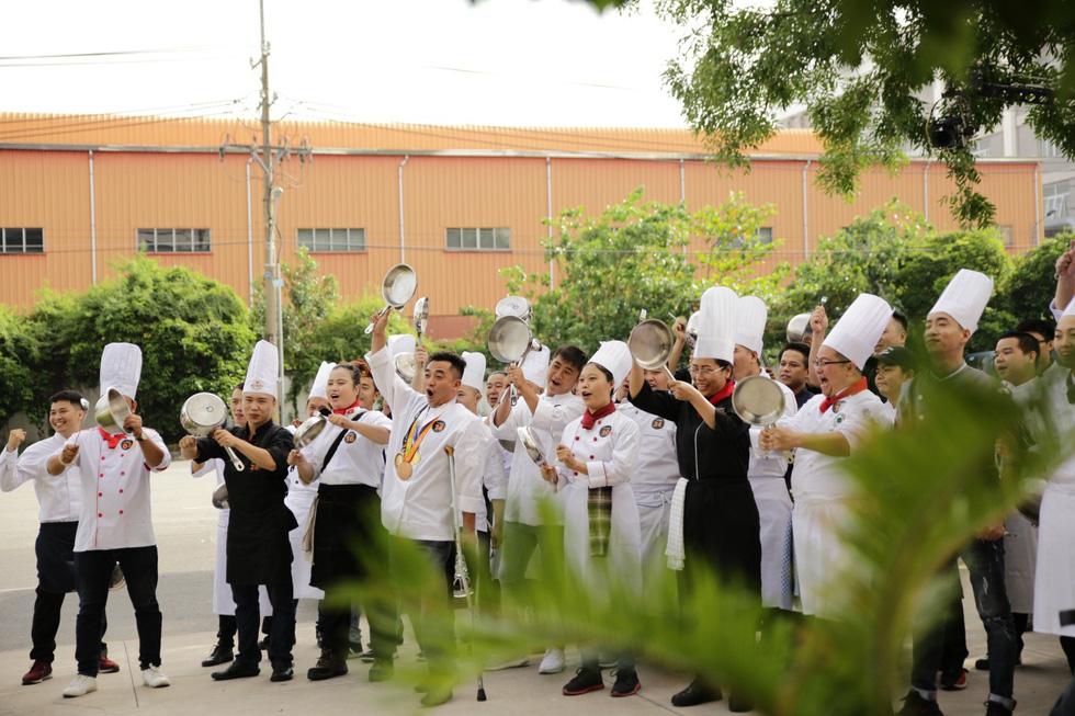 Lộ diện top 14 Đầu bếp thượng đỉnh - Top chef Vietnam 2019 - Ảnh 2.