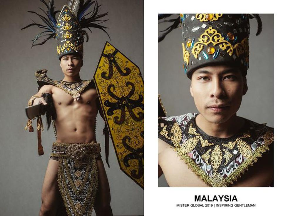 Mister Global khoe dàn hotboy diện trang phục truyền thống nhưng quá nóng - Ảnh 12.