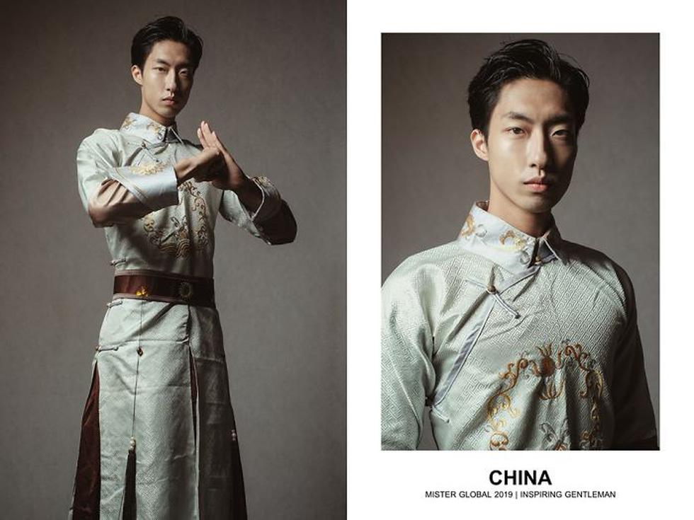 Mister Global khoe dàn hotboy diện trang phục truyền thống nhưng quá nóng - Ảnh 22.