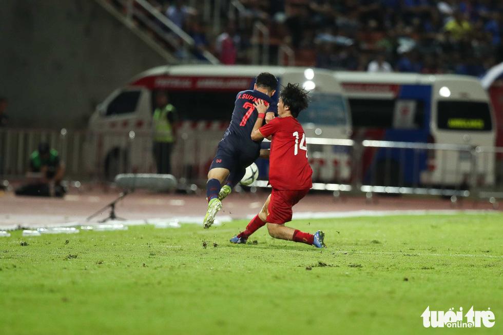 Trận đấu quả cảm của tiền vệ Tuấn Anh - Ảnh 4.