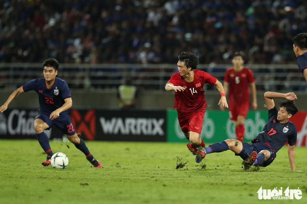 Trận đấu quả cảm của tiền vệ Tuấn Anh - Ảnh 5.
