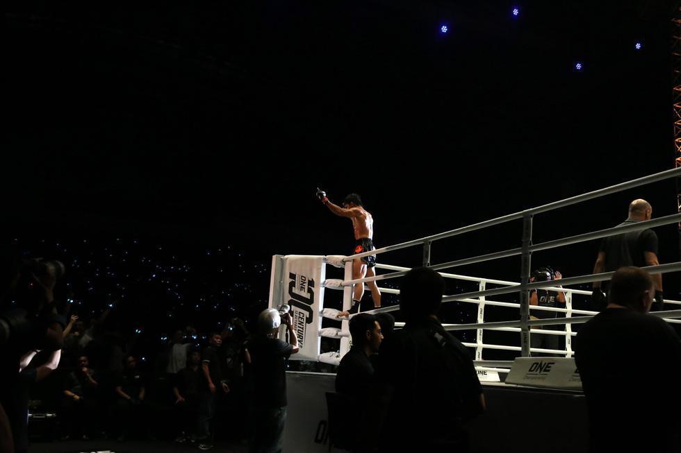 Đại chiến tưng bừng trong lần đầu tiên One Championship đến VN - Ảnh 9.