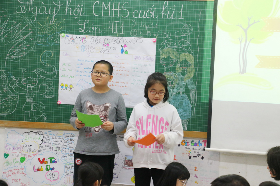 Học trò tiểu học tổ chức họp các bố mẹ - Ảnh 4.