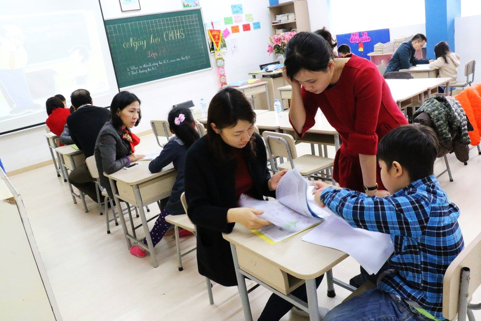 Học trò tiểu học tổ chức họp các bố mẹ - Ảnh 9.