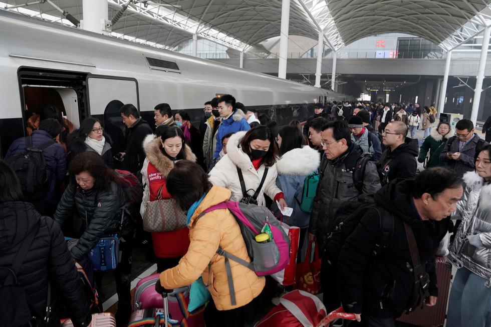 Trung Quốc vào cuộc 'Xuân vận' lớn nhất hành tinh với 3 tỉ chuyến về quê ăn Tết - Ảnh 2.