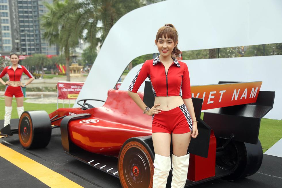 Sôi động chương trình chào đón đua xe công thức 1 tại TP.HCM - Ảnh 1.
