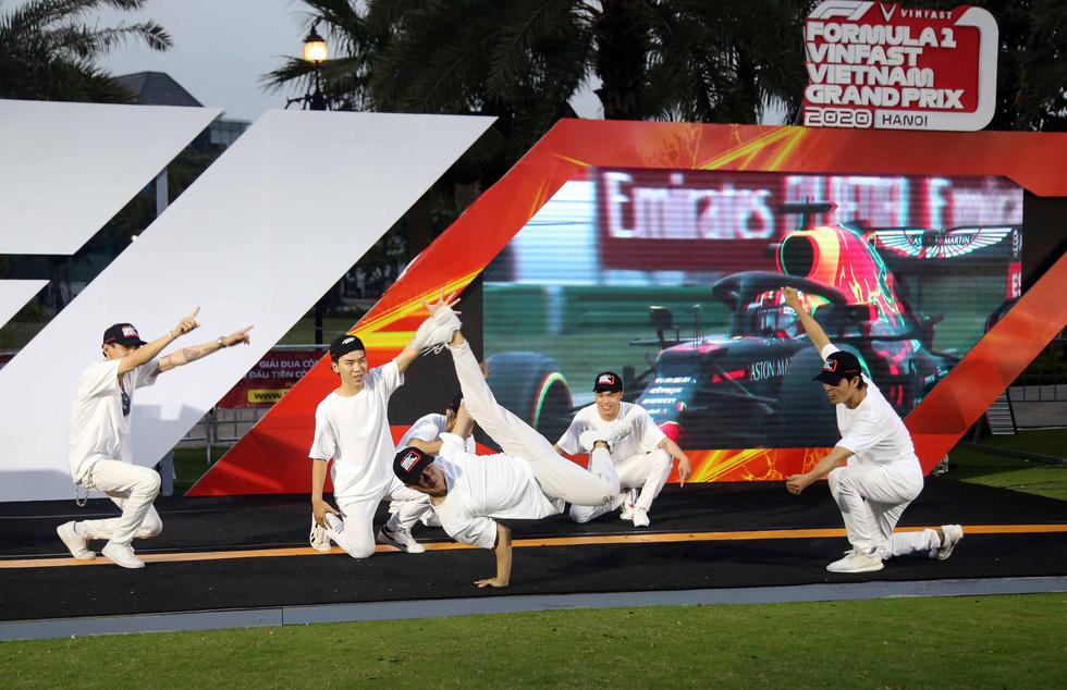 Sôi động chương trình chào đón đua xe công thức 1 tại TP.HCM - Ảnh 11.
