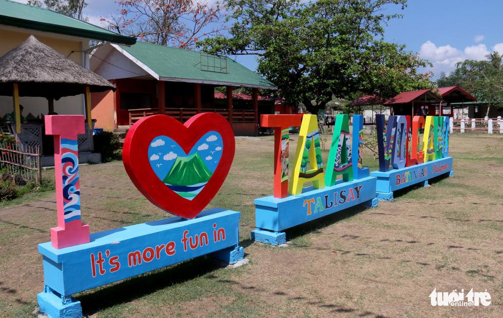 Trước khi 'thức giấc' sau 40 năm, núi lửa ở Philippines hấp dẫn du khách như thế nào? - Ảnh 14.