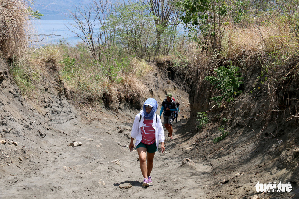 Trước khi 'thức giấc' sau 40 năm, núi lửa ở Philippines hấp dẫn du khách như thế nào? - Ảnh 6.