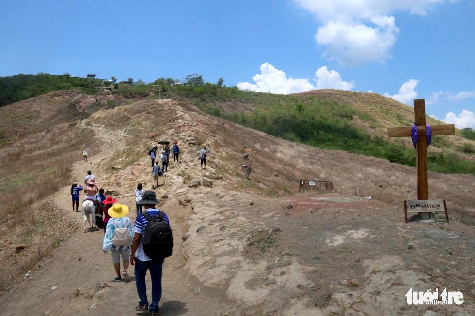 Trước khi 'thức giấc' sau 40 năm, núi lửa ở Philippines hấp dẫn du khách như thế nào? - Ảnh 5.