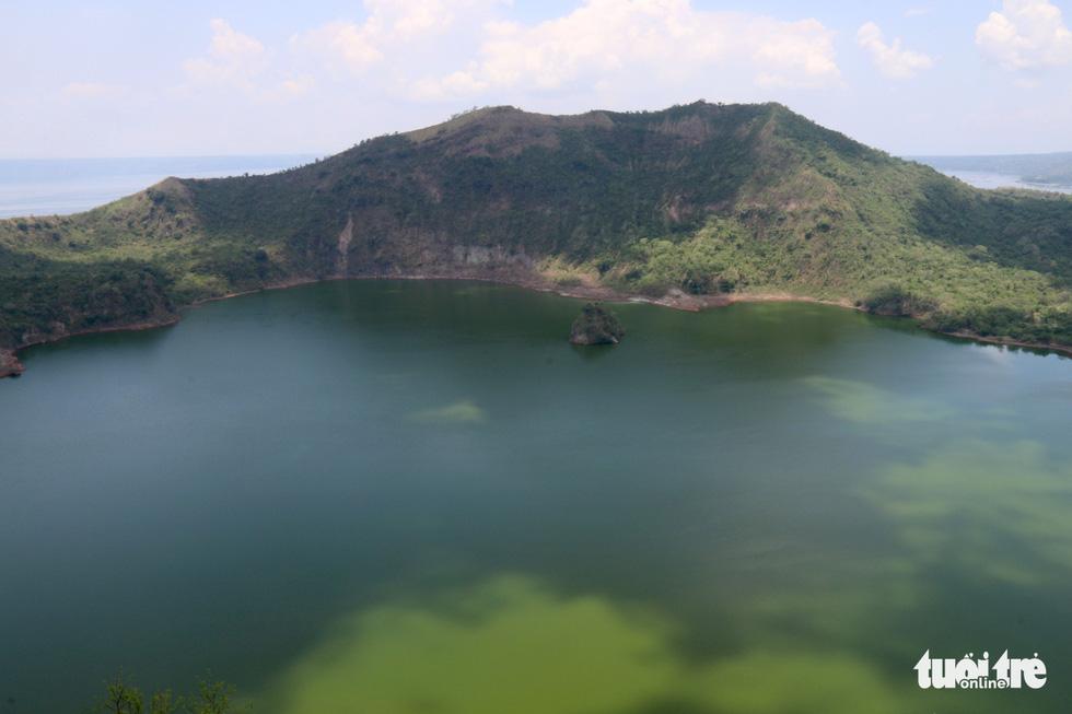 Trước khi 'thức giấc' sau 40 năm, núi lửa ở Philippines hấp dẫn du khách như thế nào? - Ảnh 11.