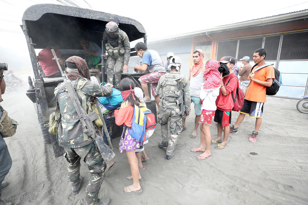 Bui mu vi nui lua, Philippines nghiem cam nang gia khau trang truc loi
