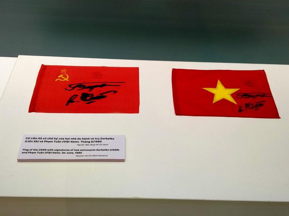 Khai mạc trưng bày Tự hào 90 năm Đảng Cộng sản Việt Nam - Ảnh 5.