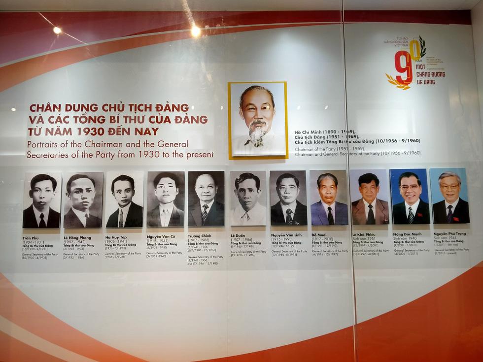 Khai mạc trưng bày Tự hào 90 năm Đảng Cộng sản Việt Nam - Ảnh 3.