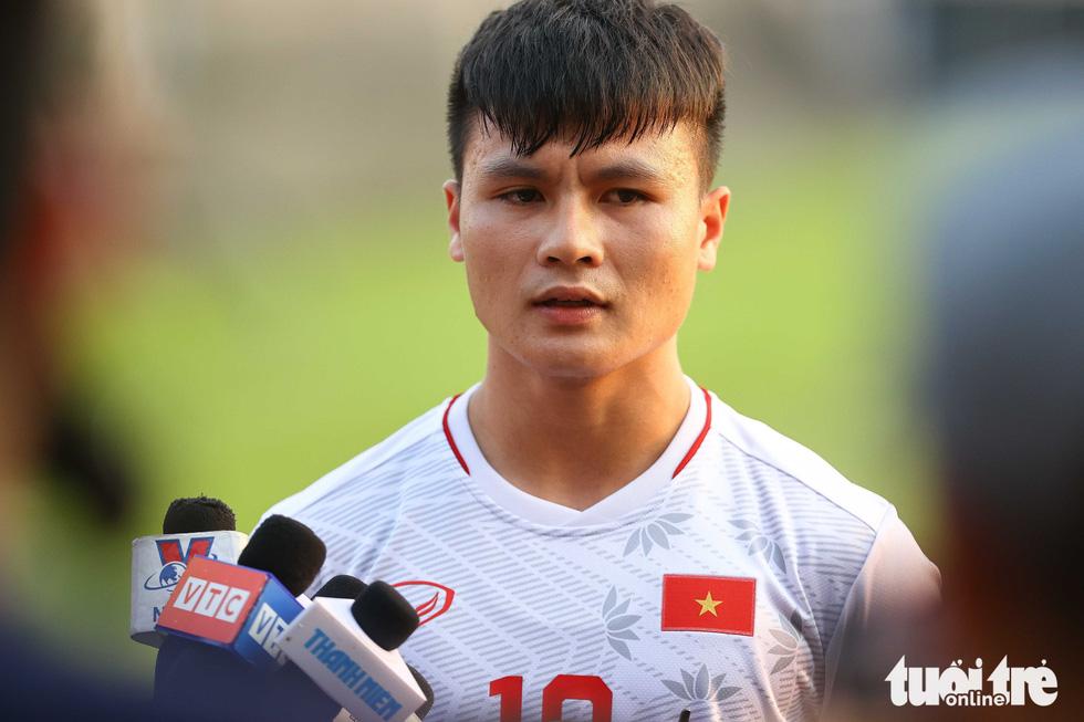 Quang Hải xúc động khi nghe thư động viên từ Thủ tướng - Ảnh 2.