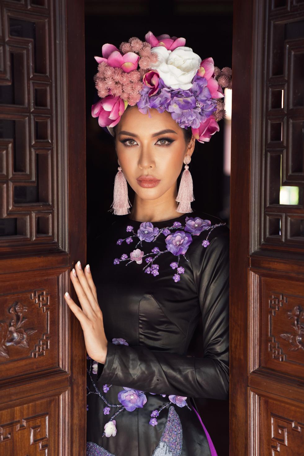 Hoa hậu Phương Khánh, Minh Tú khoe sắc trong bộ sưu tập áo dài Bay lả bay la - Ảnh 5.