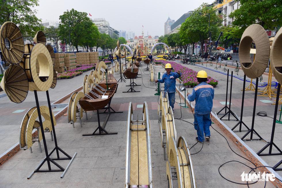 Đường hoa Nguyễn Huệ 2020 dự kiến xong từ 26 Tết - Ảnh 3.