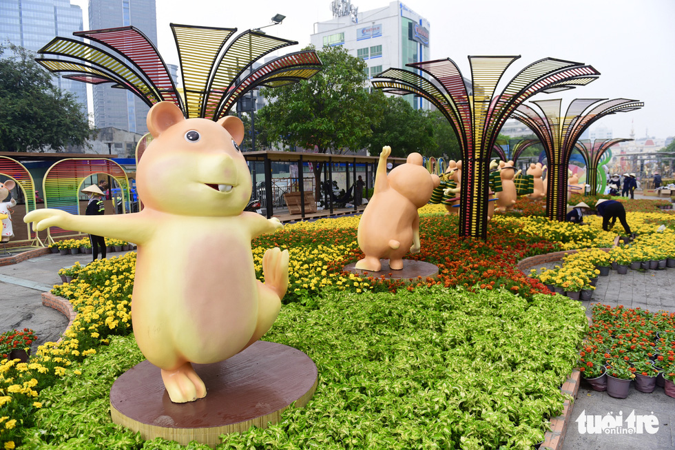 Đường hoa Nguyễn Huệ 2020 dự kiến xong từ 26 Tết - Ảnh 5.