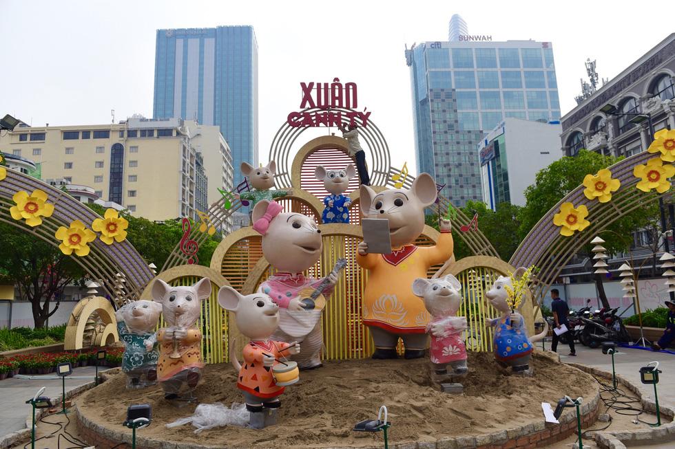 Đường hoa Nguyễn Huệ 2020 dự kiến xong từ 26 Tết - Ảnh 13.