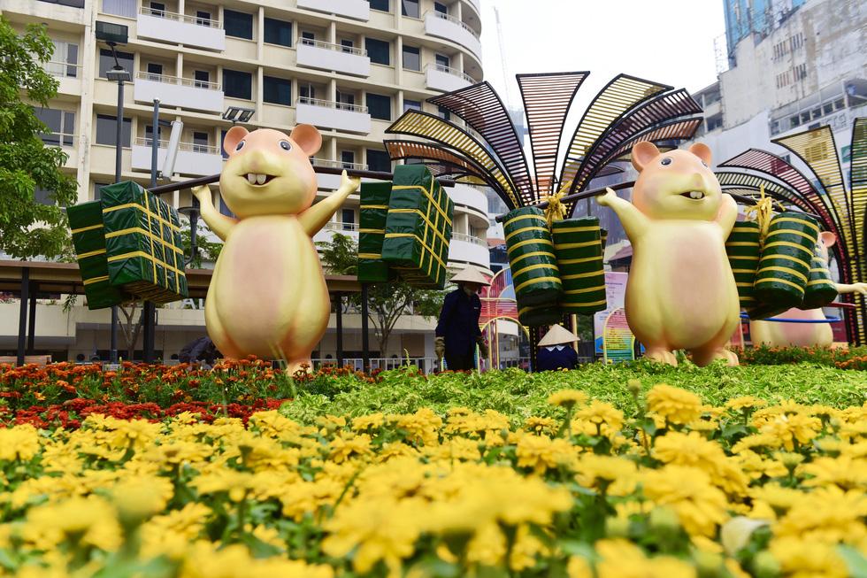 Đường hoa Nguyễn Huệ 2020 dự kiến xong từ 26 Tết - Ảnh 11.