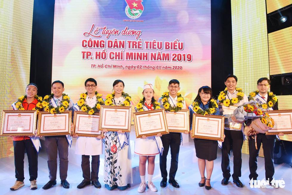 Tuyên dương 12 công dân trẻ TP.HCM: tuổi trẻ tài cao, bản lĩnh - Ảnh 8.