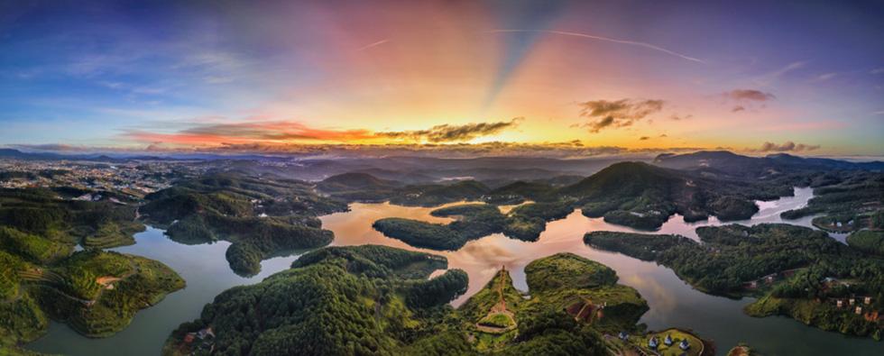 Sương mai bảng lãng trên mặt hồ Tuyền Lâm, đẹp tựa trời Âu - Ảnh 8.