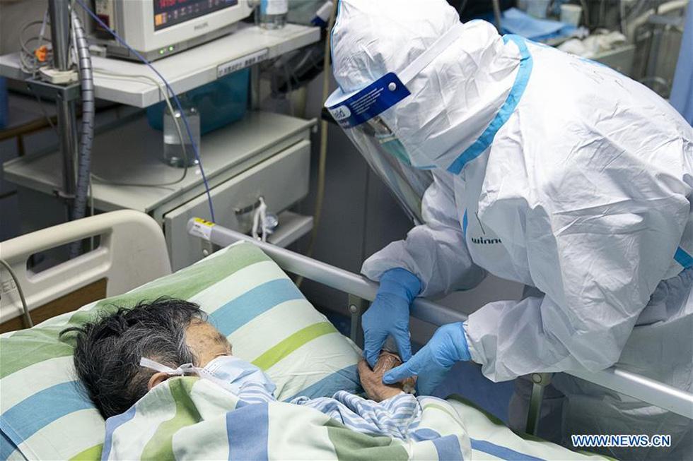 Những gì diễn ra bên trong bệnh viện tại Vũ Hán? - Ảnh 5.