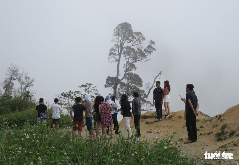 Checkin nơi nguy hiểm: đỉnh đèo Khánh Lê - Ảnh 5.