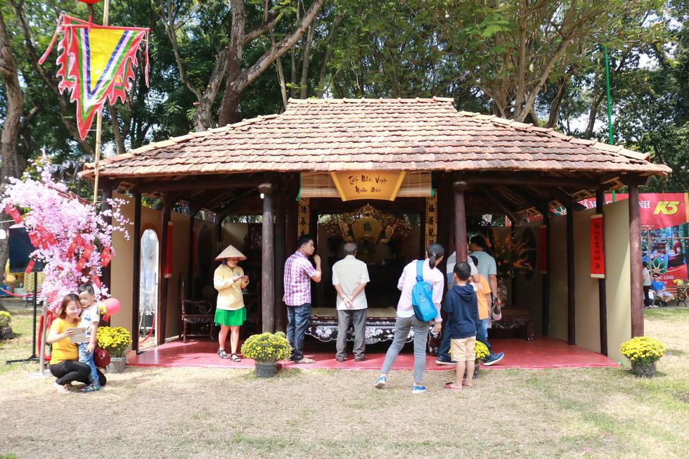 Ngắm những không gian tết cổ truyền của ba miền ở Lễ hội Tết Việt - Ảnh 8.