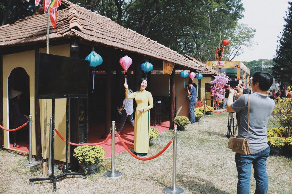 Ngắm những không gian tết cổ truyền của ba miền ở Lễ hội Tết Việt - Ảnh 13.