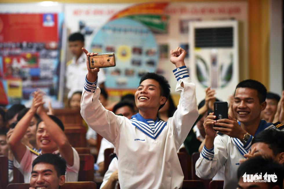 Mùa xuân biển đảo lần 9: Bên vịnh Phan Thiết, bâng khuâng nhớ Trường Sa - Ảnh 11.