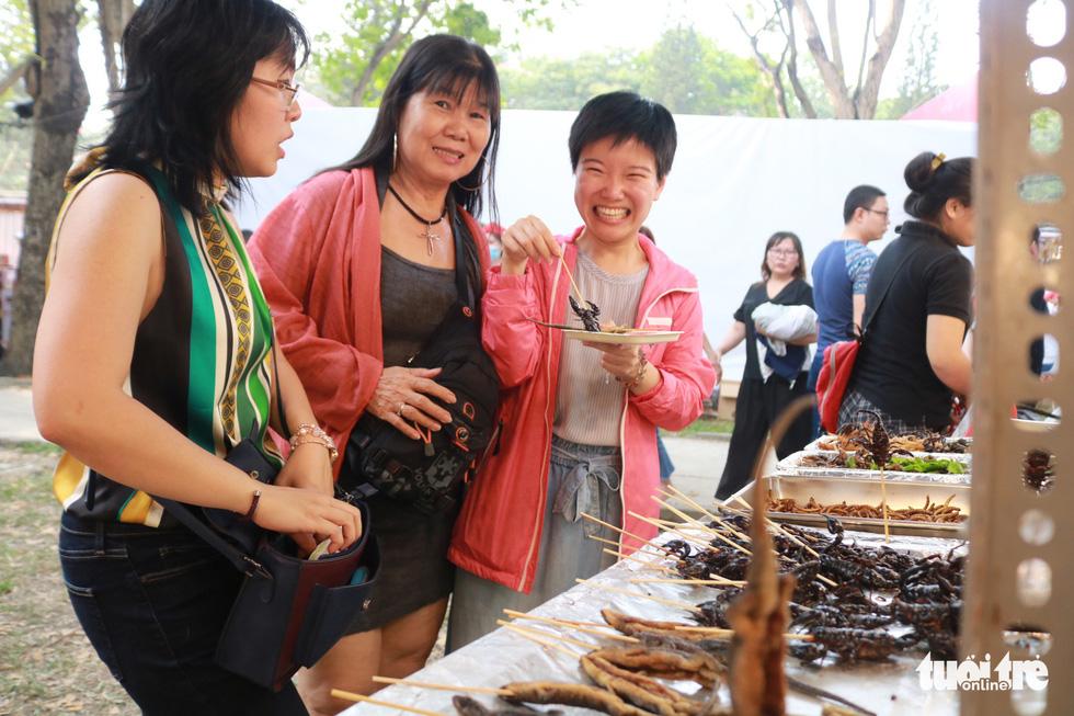 Trưng bày mâm cỗ, mâm ngũ quả 3 miền trong Lễ hội Tết Việt - Ảnh 11.