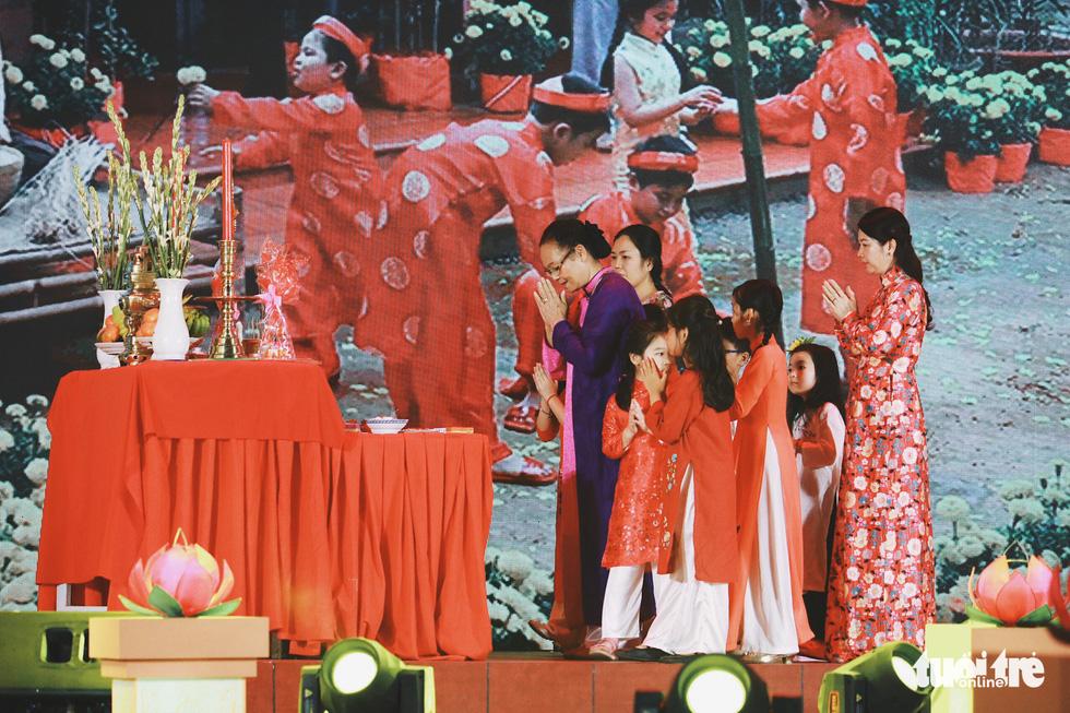 Trưng bày mâm cỗ, mâm ngũ quả 3 miền trong Lễ hội Tết Việt - Ảnh 8.