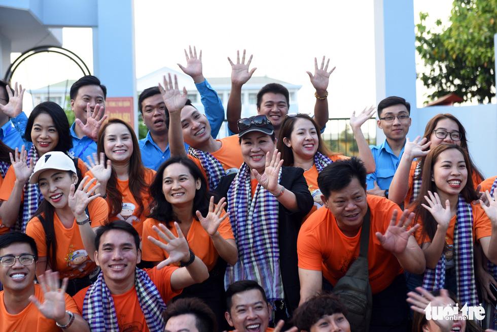 Mùa xuân biển đảo lần 9: Bên vịnh Phan Thiết, bâng khuâng nhớ Trường Sa - Ảnh 9.