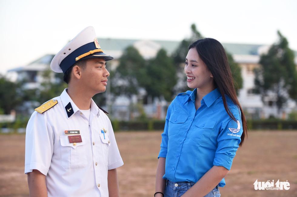 Mùa xuân biển đảo lần 9: Bên vịnh Phan Thiết, bâng khuâng nhớ Trường Sa - Ảnh 10.