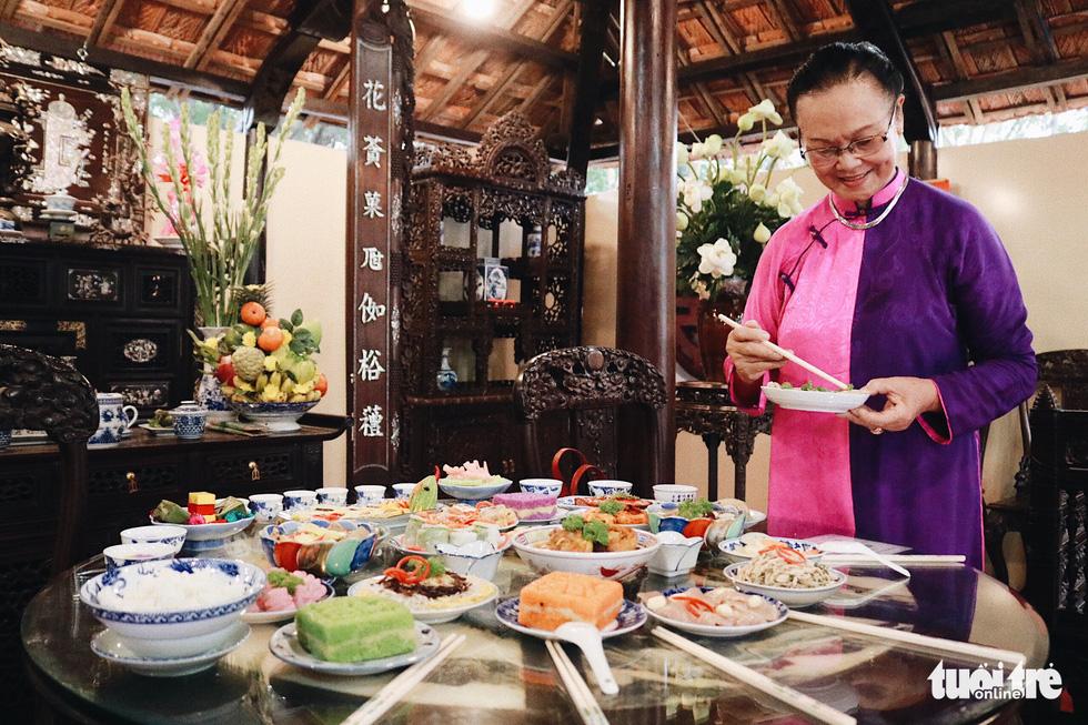 Trưng bày mâm cỗ, mâm ngũ quả 3 miền trong Lễ hội Tết Việt - Ảnh 2.