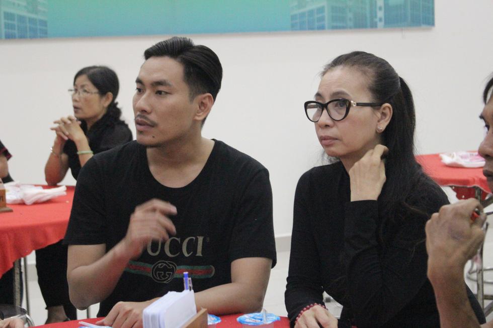 Ca sĩ Giao Linh, diễn viên Lý Hùng, Kiều Minh Tuấn... viếng nghệ sĩ Nguyễn Chánh Tín - Ảnh 8.