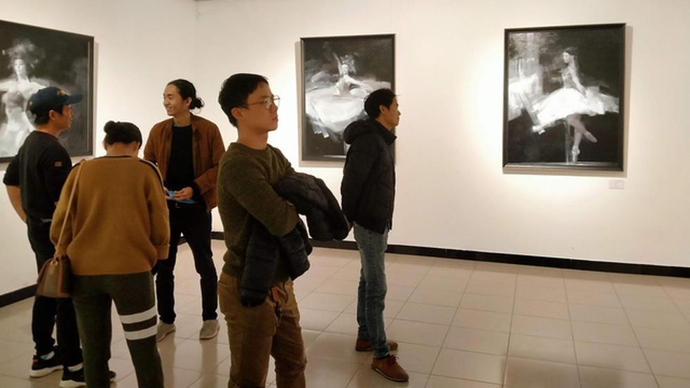 Ba họa sĩ Sài Gòn mang tâm tình đất phương Nam đến Hà Nội khai xuân - Ảnh 1.