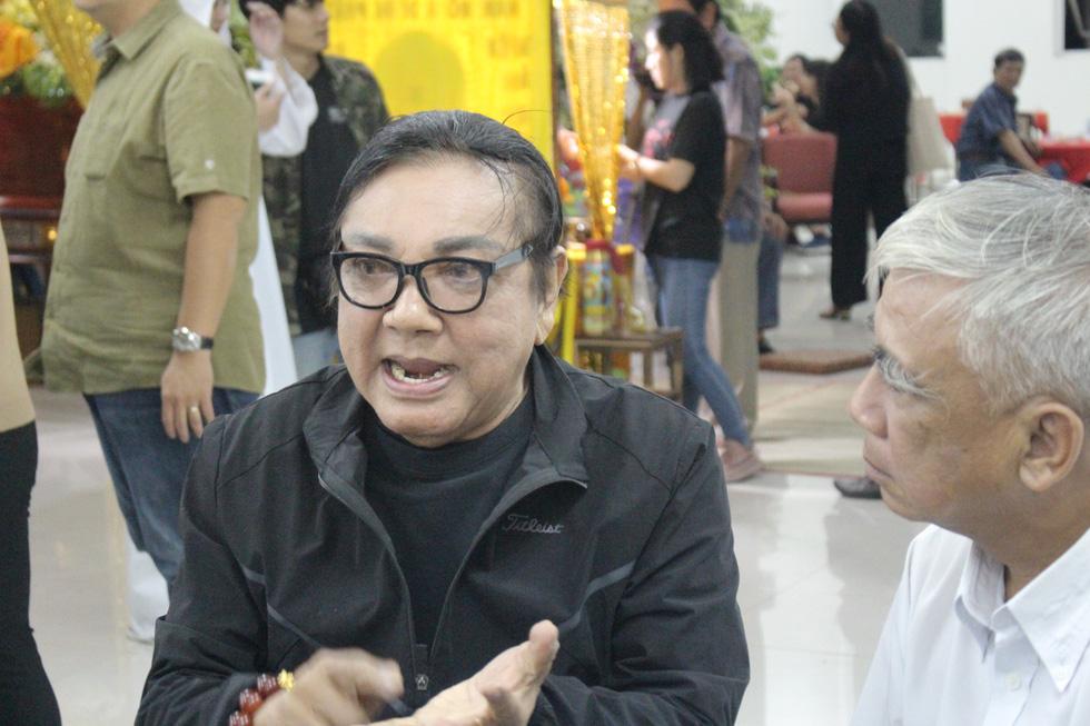 Ca sĩ Giao Linh, diễn viên Lý Hùng, Kiều Minh Tuấn... viếng nghệ sĩ Nguyễn Chánh Tín - Ảnh 5.