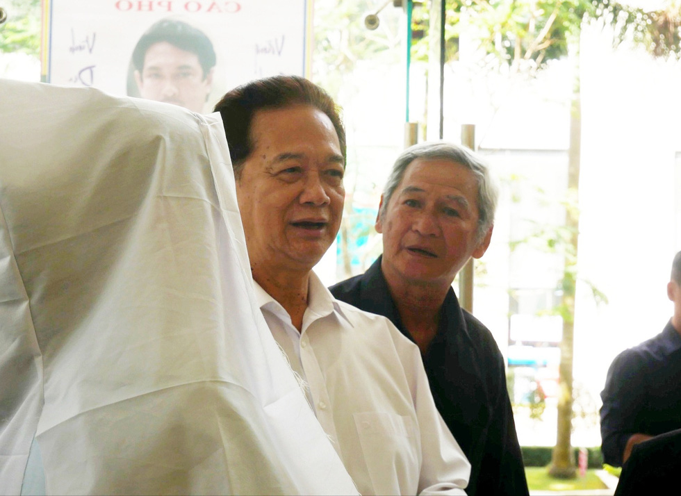 Nguyên Thủ tướng Nguyễn Tấn Dũng và nhiều nghệ sĩ đến chia buồn cùng gia đình Nguyễn Chánh Tín - Ảnh 1.